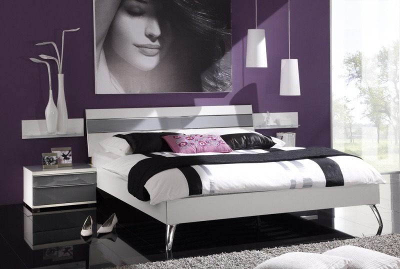 Modern-Bedroom-Remodelling-Design-with-Accent-Colors-for-Purple-Bedroom-and-White-Pendant-Lighting