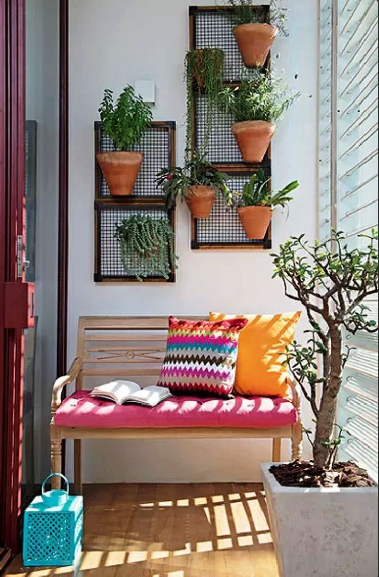 53-Mindblowingly-Beautiful-Balcony-Decorating-Ideas-to-Start-Right-Away-homesthetics.net-decor-ideas-48