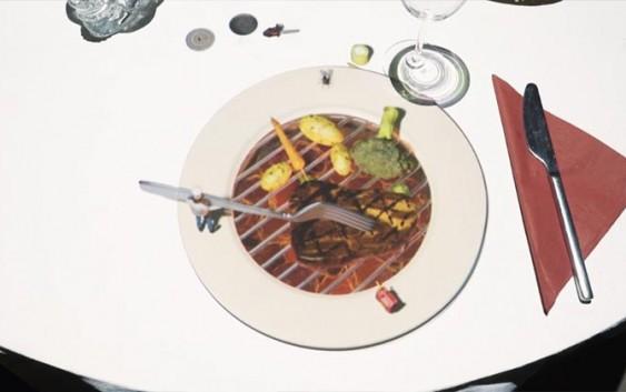 უჩვეულო 3D მომსახურება რესტორანში