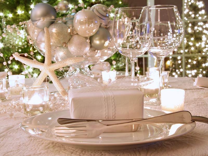 tavola-bianca-dorata