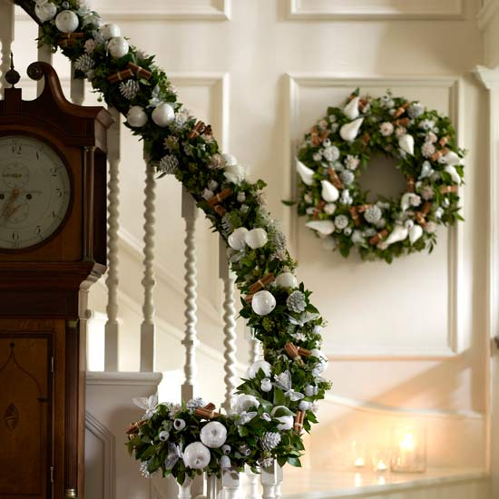 christmas-stairs-decoration-ideas-46