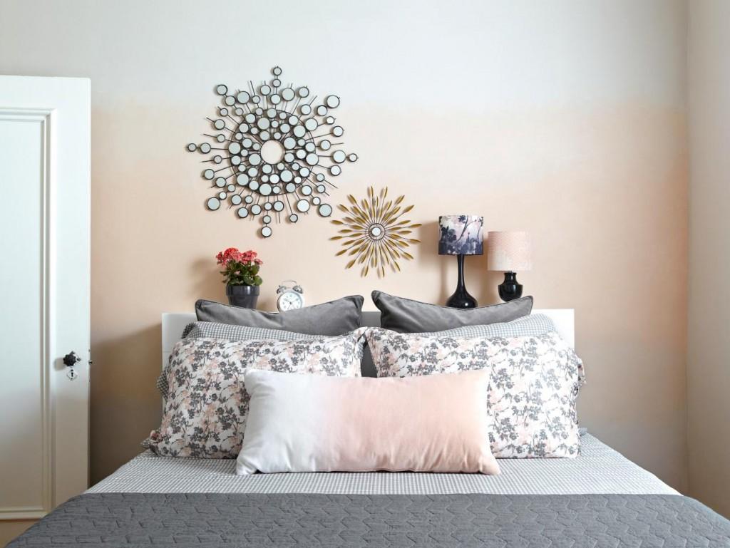 Laurie-March-pink-ombre-bedroom-wall_s4x3.jpg.rend.hgtvcom.1280.960