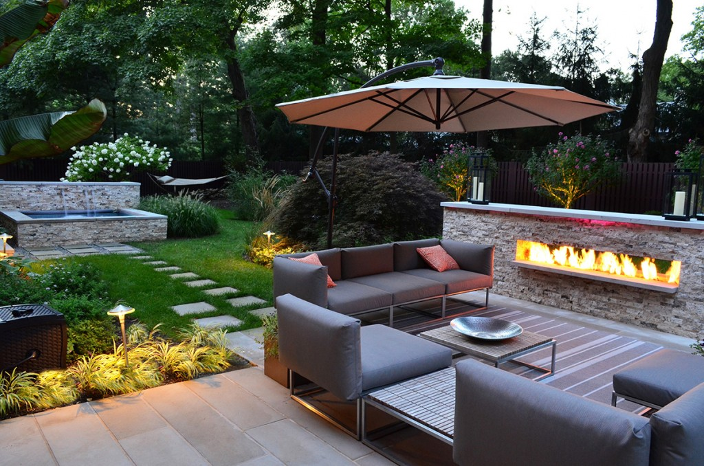 landscape-design-ideas-for-backyards-with-pergola-and-sitting-area