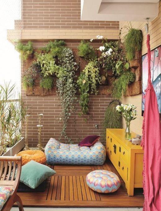 practical-balcony-storage-ideas-6