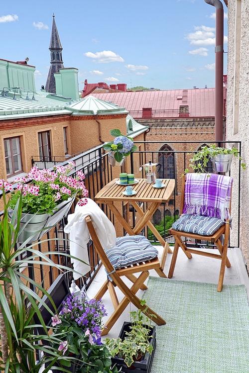 swedish-small-balcony-design