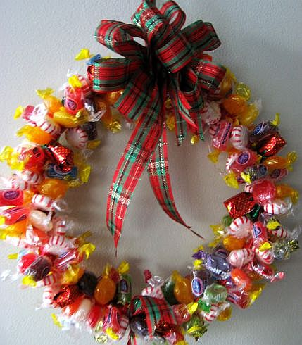 candy-wreath-1